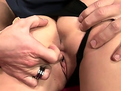Sexy brunette babe sucks his tool coupled with is about to get reamed